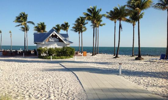 Tranquility Bay Beach House Resort: TJ's Tiki Bar