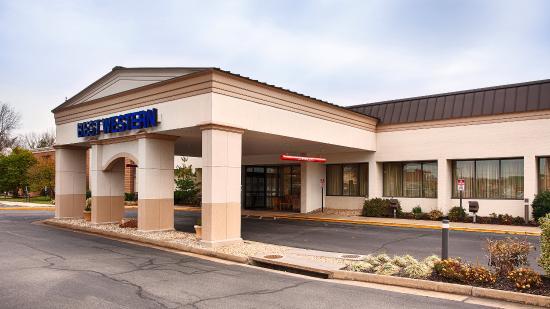 Best Western Leesburg Hotel & Conference Center: Exterior