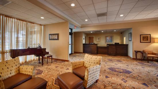 BEST WESTERN Leesburg Hotel & Conference Center: Lobby Area