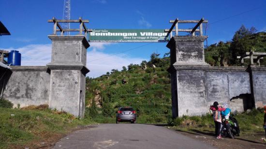 Menyaksikan Keindahan Alam dari Desa Sembungan yang Tertinggi di Pulau Jawa