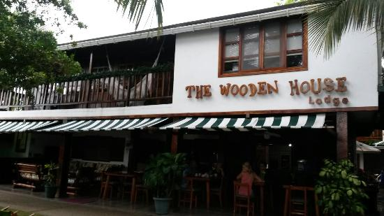 The Wooden House Lodge: 20160103_083408_large.jpg