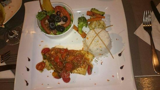Samara Pacific Lodge Restaurant: received_10208401316090427_large.jpg