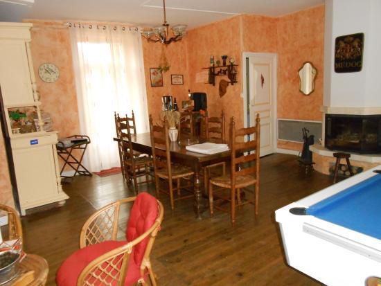 Le Lardin-Saint-Lazare, France: salle à manger