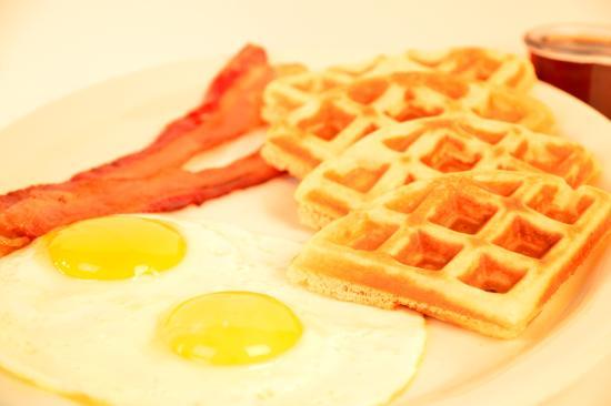 Belton, TX: Waffle & Eggs