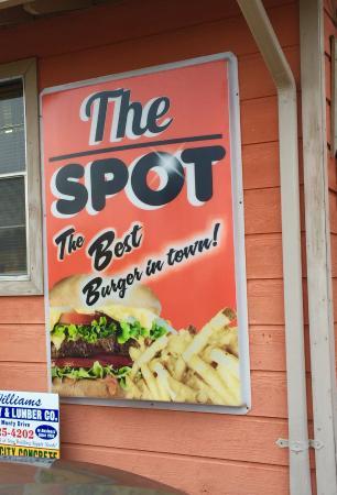 Savannah, TN: side of restaurant