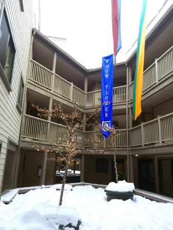 Snow Flower Condominiums: photo0.jpg