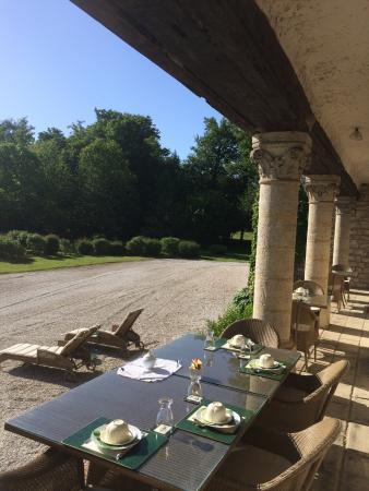 Les Chapelles-Bourbon, Fransa: Breakfast