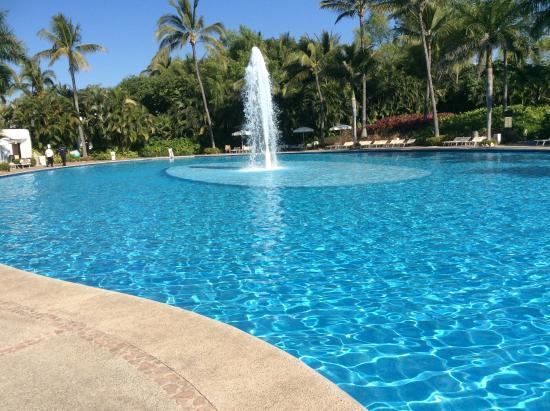 Mayan Palace Nuevo Vallarta: Cool blue at north end of long Mayan Palace pools!