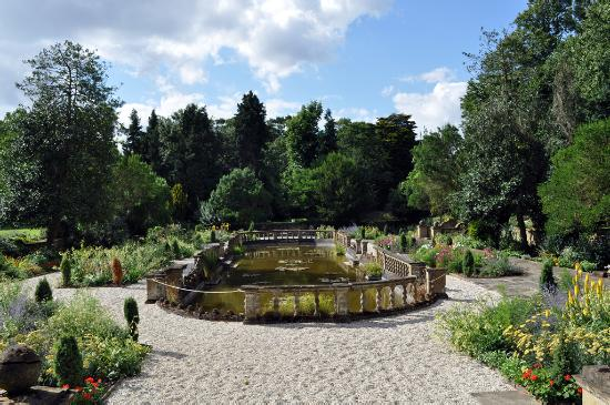 Great Dunmow, UK: The Italian Garden