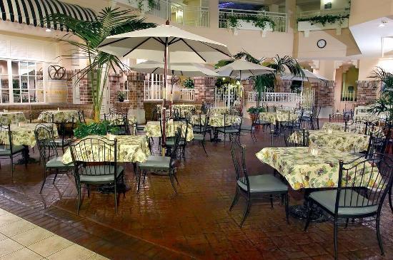 San Rafael, CA: Breakfast Dining Area