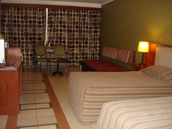 Safari Hotel: Zimmer von innen