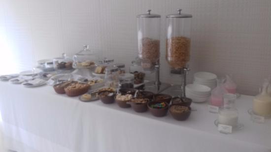 Ilum Experience Home: Delicioso desayuno buffet