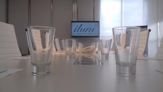 Ilum Experience Home: Sala de reuniones