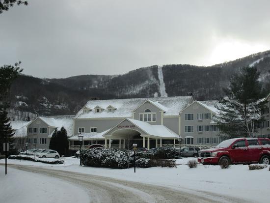 Hancock, MA : Country Inn Front Entrance