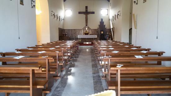 Nocelleto, إيطاليا: Chiesetta semplice ed essenziale ristrutturata da poco