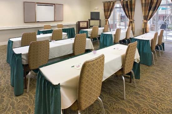 Homewood Suites by Hilton Orlando-UCF Area: Meeting Room