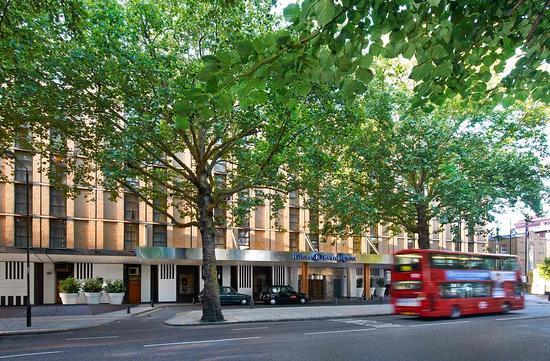 Hilton London Kensington: Hotel Exterior
