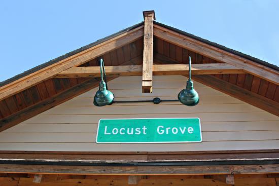 Locust Grove Train Viewing Platform