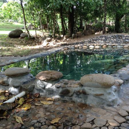 Caldera, Panamá: Nice warm pool in the shade