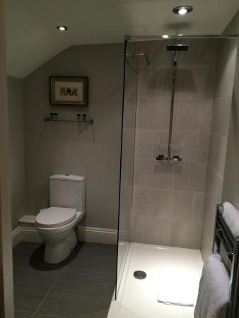 Willington, UK: Great place to stay comfortable and very friendly helpful staff. Large rooms with everything you