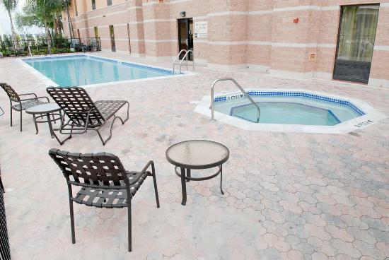 Hampton Inn & Suites Orlando - South Lake Buena Vista: Heated Pool/whirlpool
