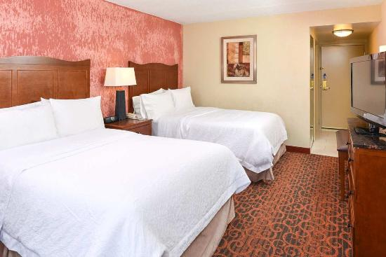 College Park, MD: 2 Double Beds