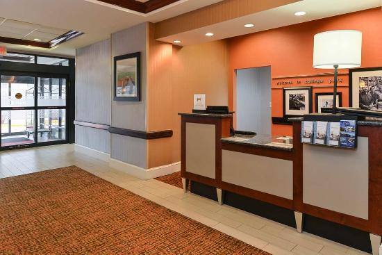 College Park, MD: Front Desk - Entry