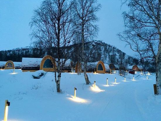 The lights picture of kirkenes snowhotel kirkenes for Kirkenes snow hotel gamme cabins