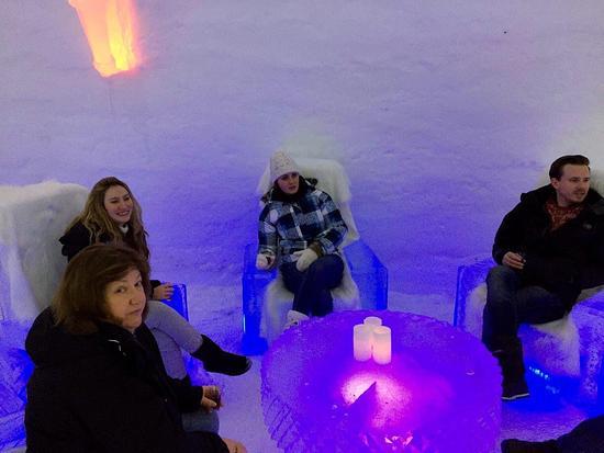 Snowhotel Kirkenes: Ice bar
