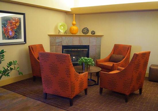 Altoona, Πενσυλβάνια: Lobby Fireplace