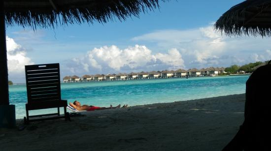 Cinnamon Dhonveli Maldives: water bungalows as seen from the lagoon