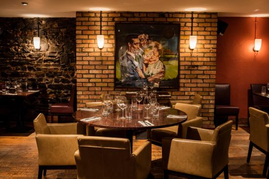 ely wine bar : Main dining room