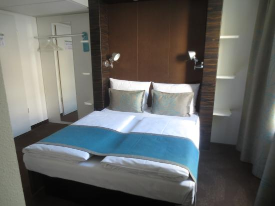 habitaci n picture of motel one muenchen city ost. Black Bedroom Furniture Sets. Home Design Ideas