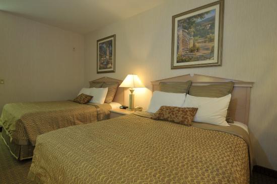 Shilo Inn Suites Hotel - Portland Airport: Guest Room