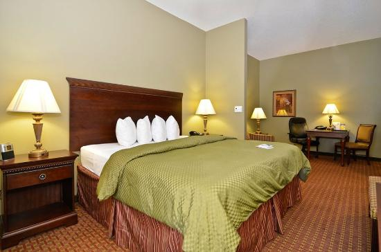 Demopolis, AL: King Suite Guest Room