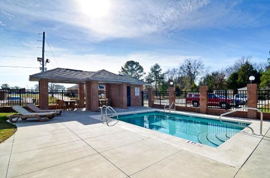 Demopolis, AL: Outdoor Pool