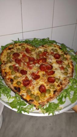 Ferrandina, Italia: Le nostre specialità....ottima Pizza a lunga lievitazione cotta in forno a legna ....