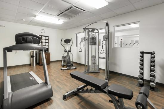Comfort Suites Airport: Fitness center