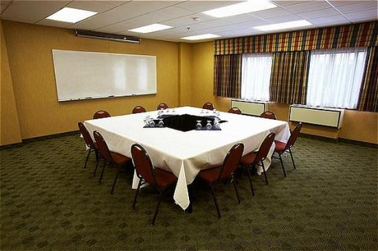Holiday Inn St. Paul-I94-East (3M Area): Group Packages Available