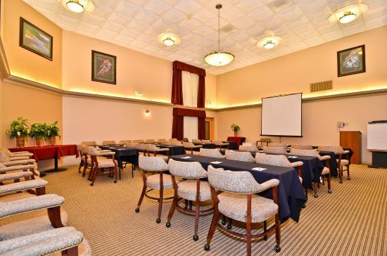 BEST WESTERN PLUS High Sierra Hotel: Meeting Room