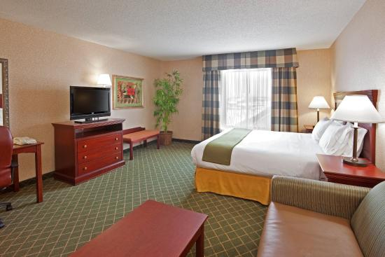 Huber Heights, OH: This large room is sure to please the savy traveler!