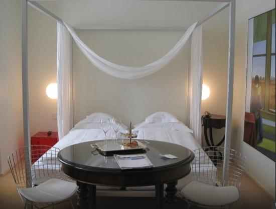 Petronilla Hotel: room