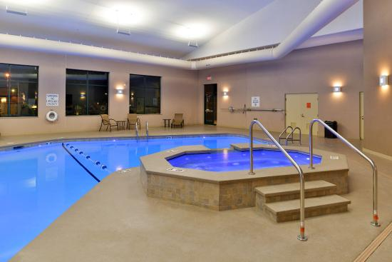 Breezewood, Pensilvania: Indoor Pool and Hot Tub