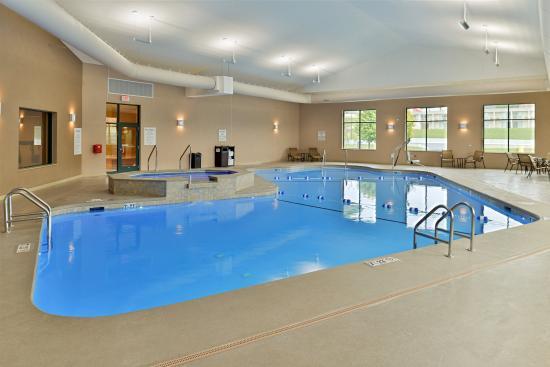 Breezewood, Pensilvania: Indoor Pool