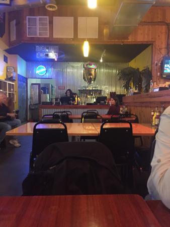 Buffalo Jack's Legendary Wings & Pizza: interior
