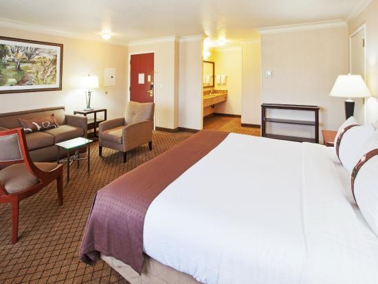 Auburn, CA: Suite