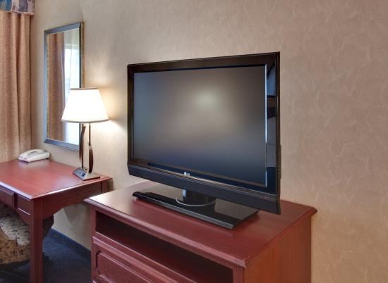"""Jamestown, Dakota del Norte: 37"""" TVs in all of our guest rooms"""