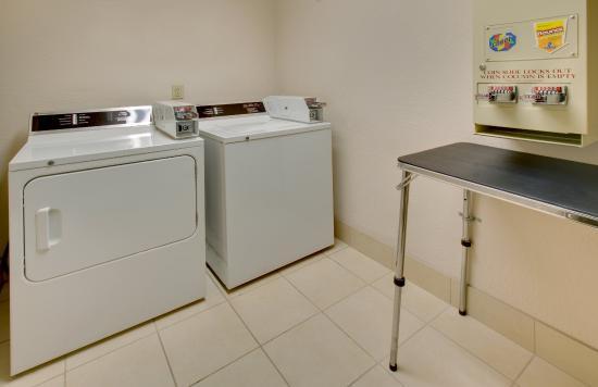 Pleasant Prairie, WI: Laundry Facility