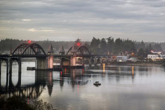 Siuslaw River bridge in Florence, Oregon