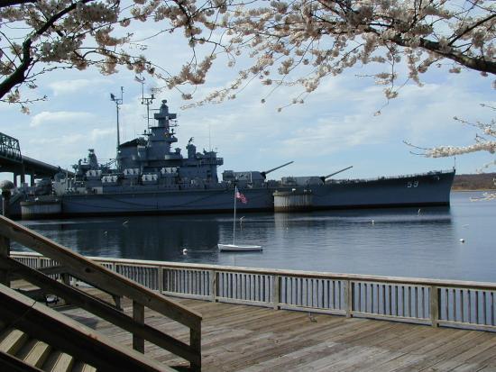 Swansea, MA : Battleship Cove only 4 miles away